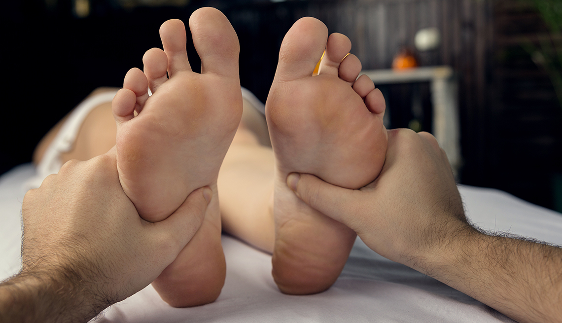 Feet Mistress Daphne 1-800-601-6975